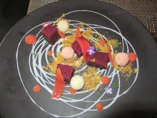 Delaire Graff Restaurant : Beetroot cake