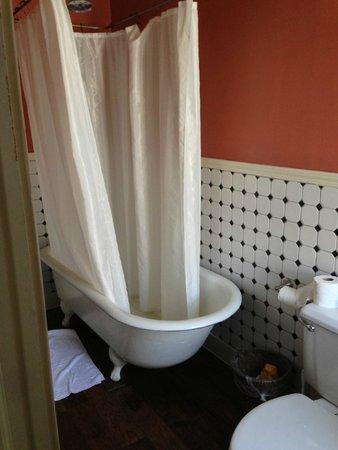 Hotel Charlotte: doccia