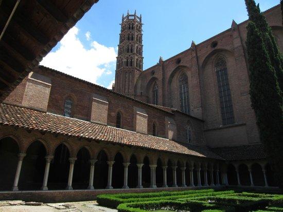 Église des Jacobins : The cloister