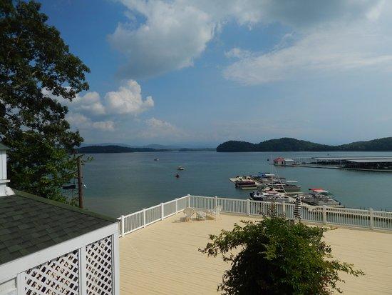 Mountain Harbor Inn Resort On the Lake: View outside our door
