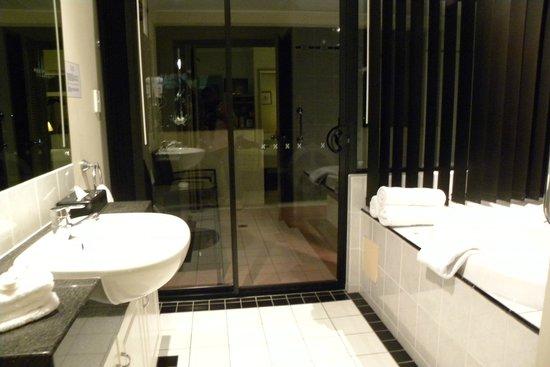 Regal Port Douglas: salle de bain