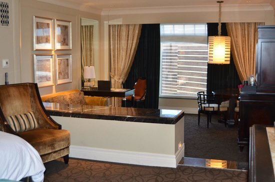 The Palazzo Resort Hotel Casino: Living room, taken from bedroom