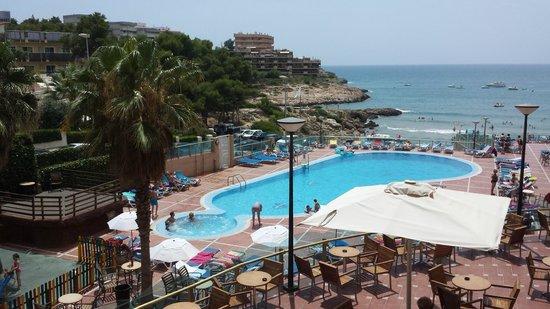 Cala Font Hotel: vista desde recepcion