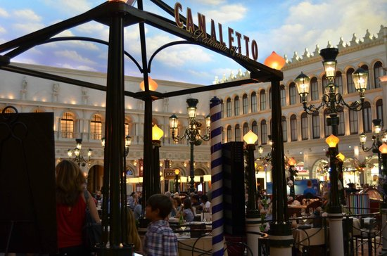 The Palazzo Resort Hotel Venetian Indoor Courtyard Includes Many Restaurants