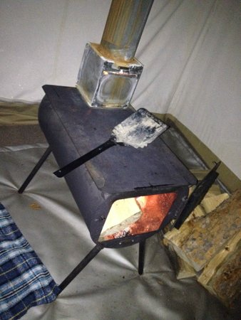Yellowstone Under Canvas : Woodstove