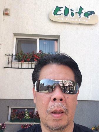Selfie at the front view of Pensiunea Elite