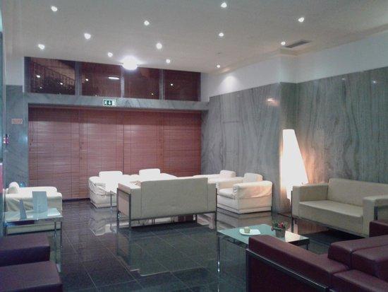 Quality Inn Porto: bar dell 'hotel