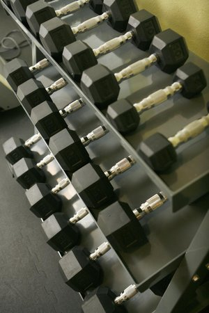 Best Western Plus Goldsboro: Free Weights in the Fitness Room