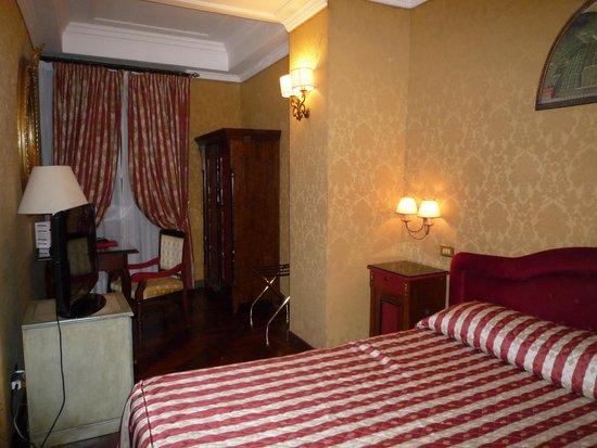 Hotel Royal Court: Room 116, double, ground floor