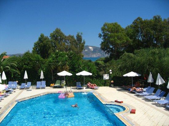 Castelli Hotel: Pool View