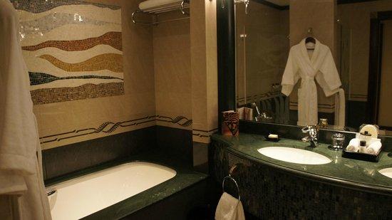 Grand Hyatt Dubai: Ванная комната