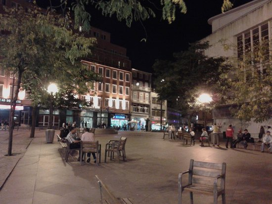 Quality Inn Porto: praca da batalha con albergo