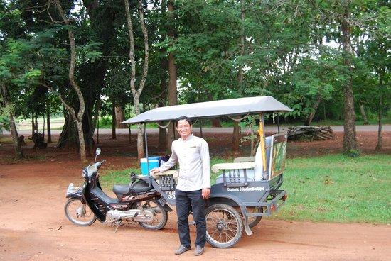 Diamond D'Angkor Boutique: Tuktuk driver Mr. Vyvaesna