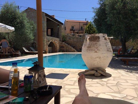 Arosmari Village Retreat: Poolside