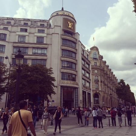 Champs-Élysées : Louis Vuitton - Champs Élysées