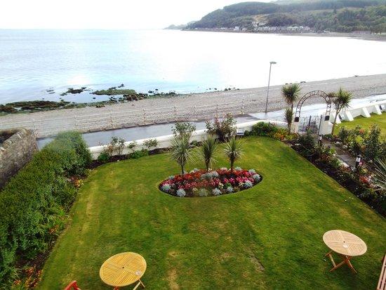Esplanade Hotel: The gardens