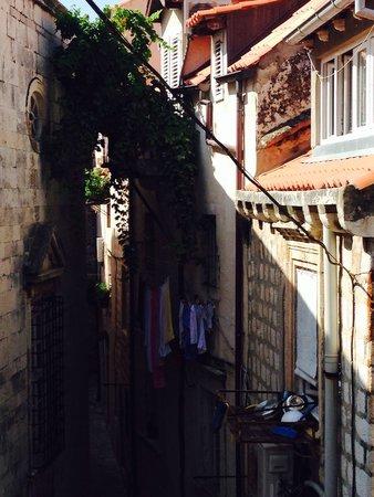 Korcula Island - Priscapac: Une ruelle de Dubrovnik