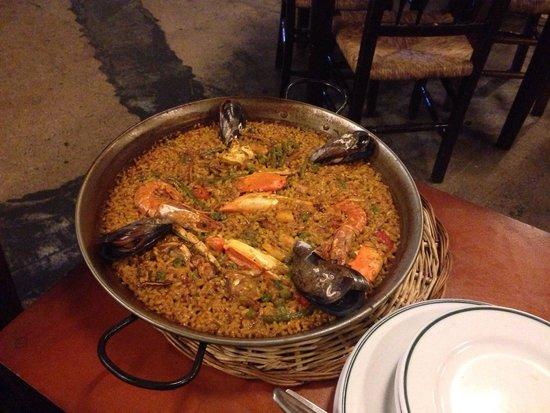 Celler Sa Premsa : La paella più buona della Spagna! Locale bellissimo, personale gentile e simpatico, ottima quali