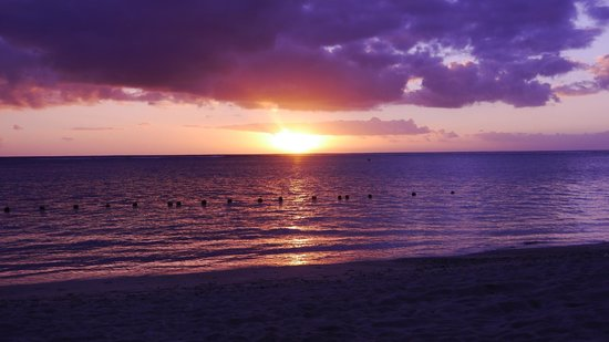La Pirogue Mauritius: Sunset View