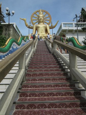 Big Buddha Temple (Wat Phra Yai): la Scalinata