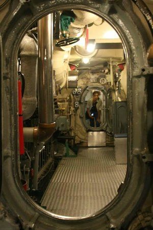 USS Requin: Inside