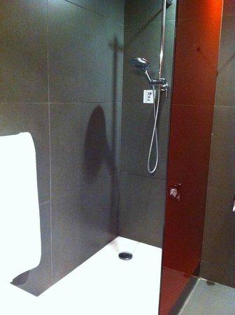 NH Collection Constanza: doccia