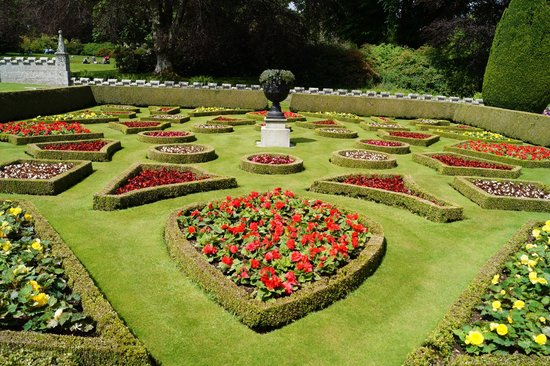 Lanhydrock House and Garden: .