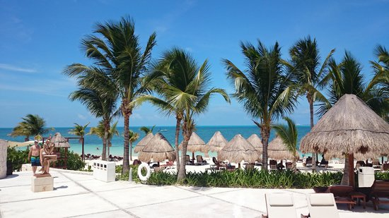 Excellence Playa Mujeres: Resort Grounds