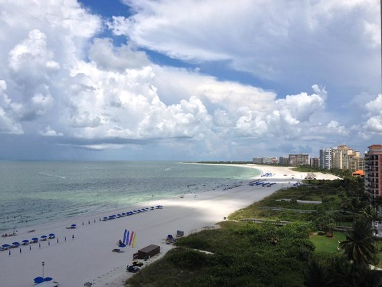 Hilton Marco Island Beach Resort : View from Hilton #1010