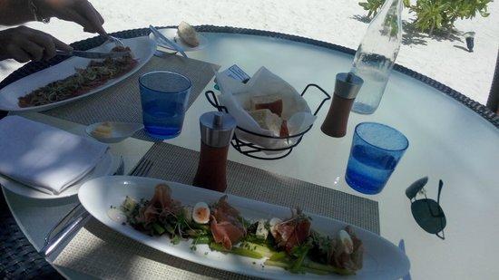 Constance Halaveli: Great Food
