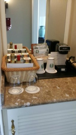 The Westin Riverwalk, San Antonio: Coffee / Minibar