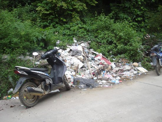 Koh Samed: rubbish everywhere