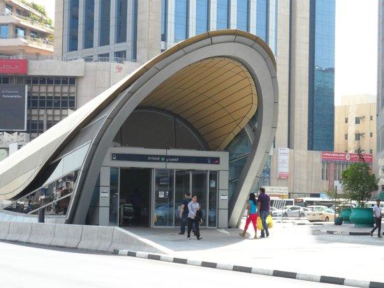 Majestic Hotel Tower: estação de metro perto do hotel