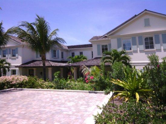 Grand Isle Resort & Spa: vista ville dal viale