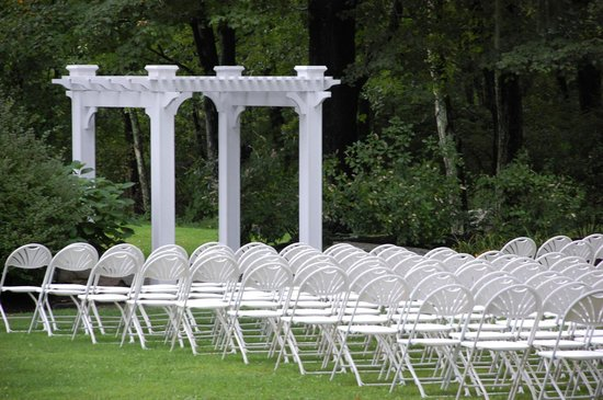 Mountain Springs Lake Resort: Outdoor Wedding Reception Area/Set-up