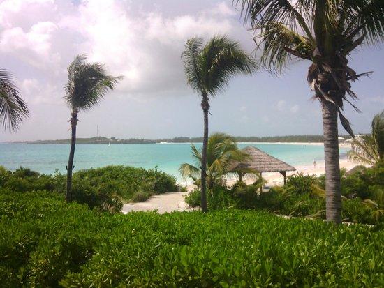 Grand Isle Resort & Spa: viasta spiaggia dalla piscina