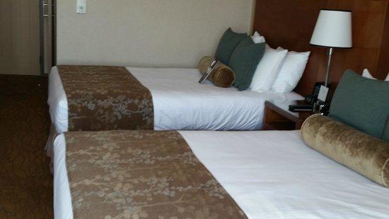 Omni San Diego Hotel : Very comfy beds