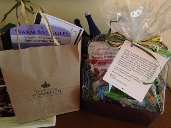 The Lodge at Woodloch : Babymoon gift bag and snacks