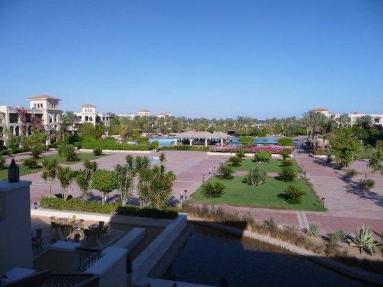 Jaz Mirabel Park : Grounds