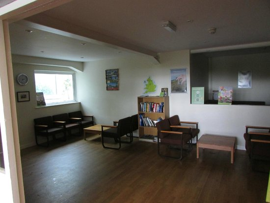 YHA Manorbier : Reading and resting room