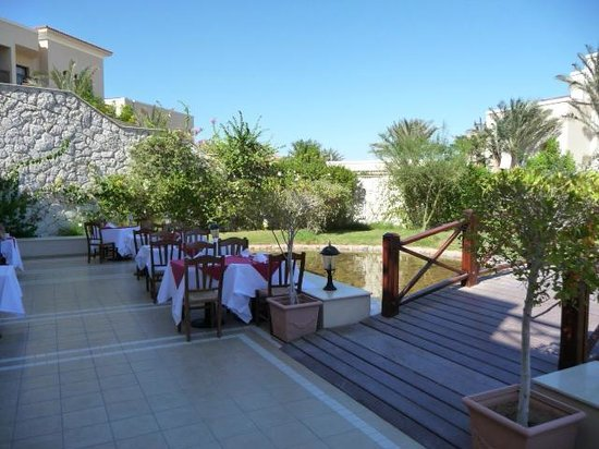 Jaz Mirabel Park : Outside dining area