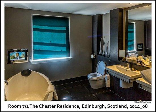 The Chester Residence: Bathroom