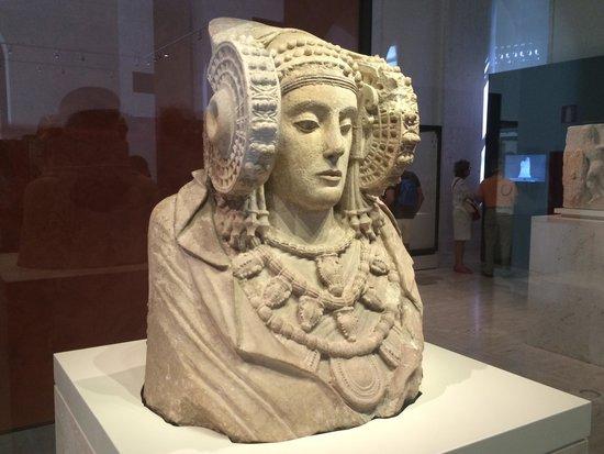 Museo Arqueologico Nacional : Misteriosa Dama de Elche