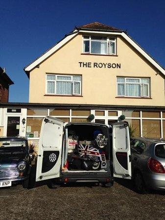 The Royson GuestHouse: 2014 Royson Visit