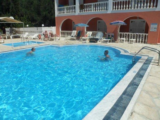 Donna Amalia Apartments : Quiet pool
