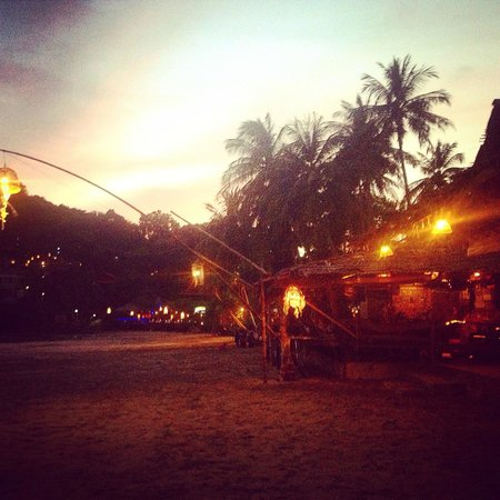 Kantiang Oasis Resort & Spa: Kantiang Bay - 5 min walk from hotel