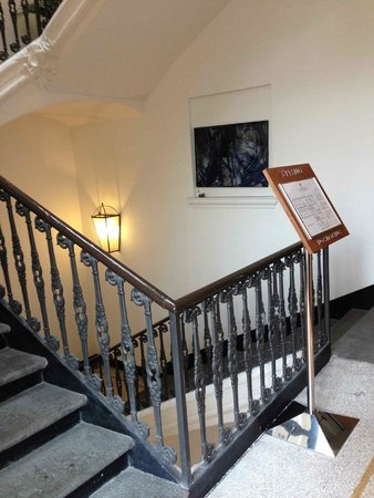 Best Western Crystal Palace Hotel : Escalier