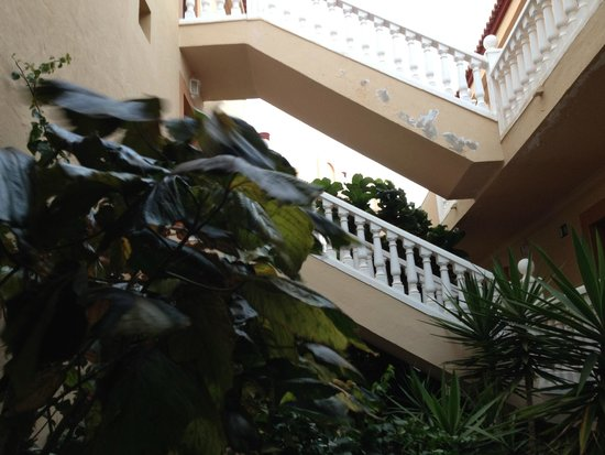 Elba Lucia Sport & Suite Hotel: castillo de elba wewnetrzny korytarz