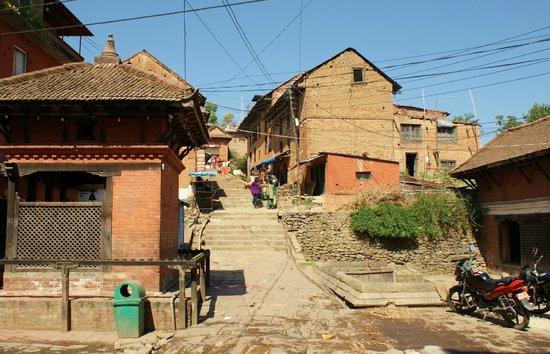 Changu Narayan : le Temple est perché sur une colline...