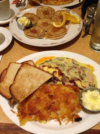 Sears Fine Foods: The famous traditional pancakes and omelette for breakfast